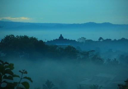 Punthuk Setumbu Sunrise & Borobudur Temple