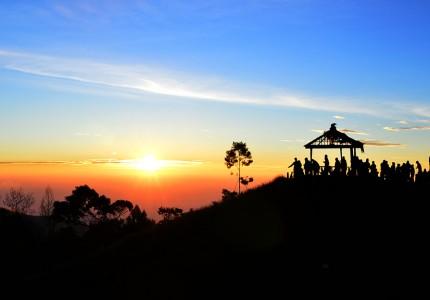 Sikunir Golden Sunrise & Dieng Plateau