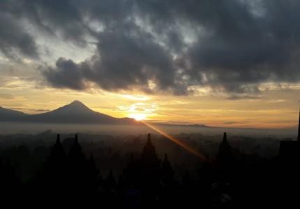 Borobudur Sunrise & Prambanan Tours